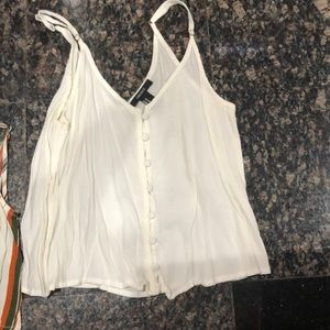 Loose crop tops in two styles and sizes